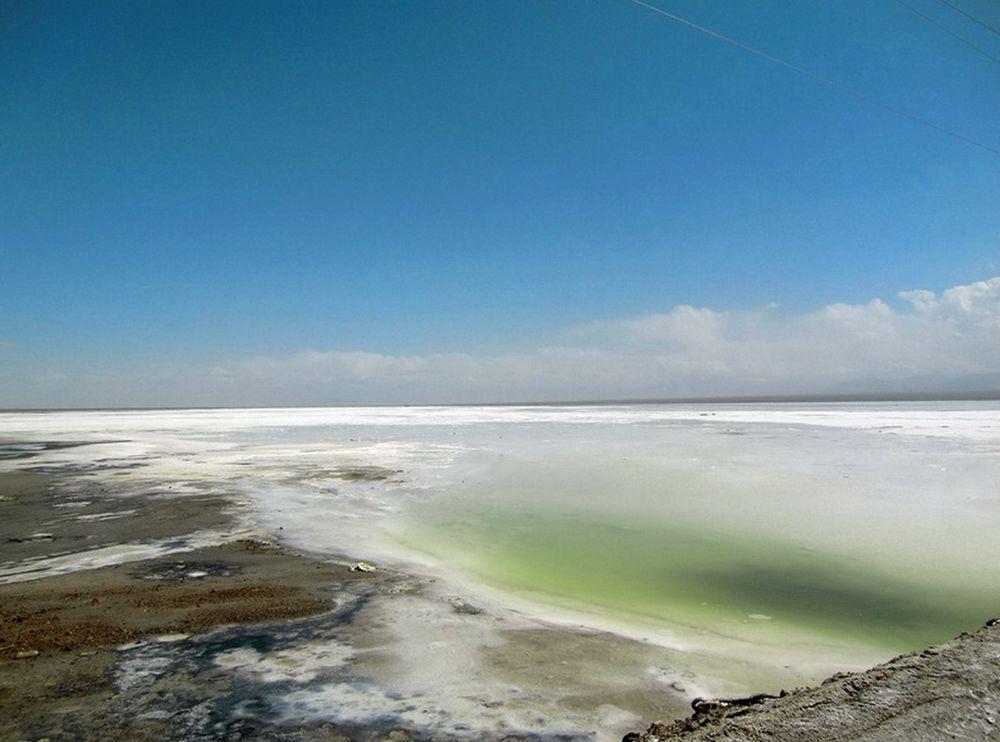 チャカ塩湖(茶卡塩湖)