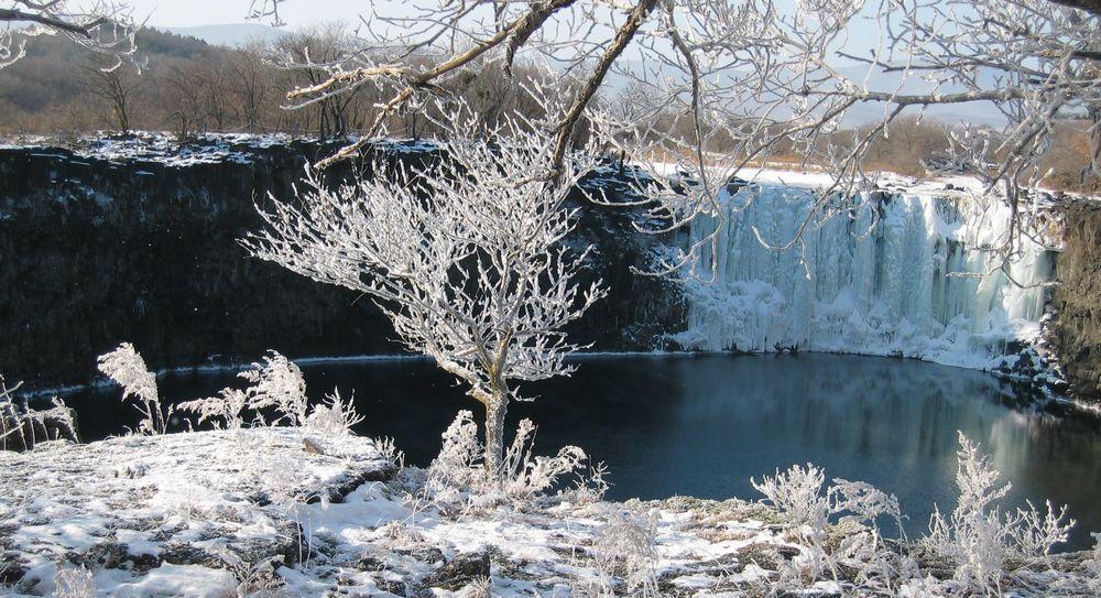 鏡泊湖吊水楼瀑布の観光情報-寧...